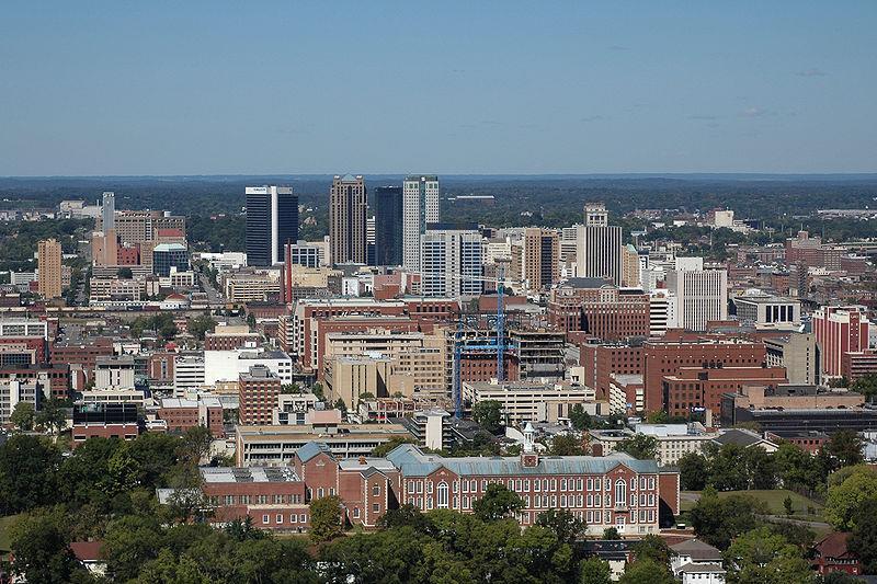 10 Dazzling Destinations for your Next Alabama Family Reunion