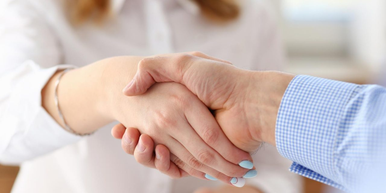 Tips Every Reunion Planner Should Use When Negotiating with Vendors