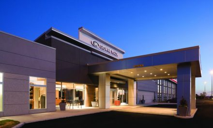 Make Accommodations for Your Reunion at Crowne Plaza in Burr Ridge, Illinois