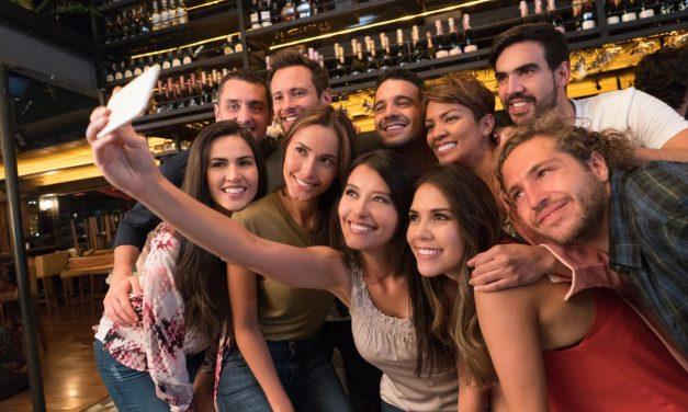 6 Tips to Help You Plan a Fabulous Class Reunion