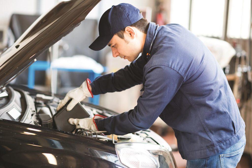 travel safety tip - car maintenance